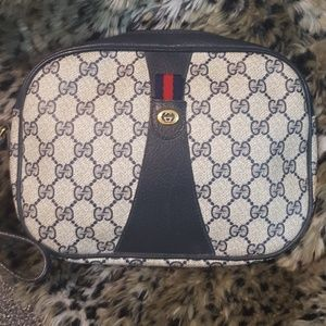Gucci Authentic cosmetic bag